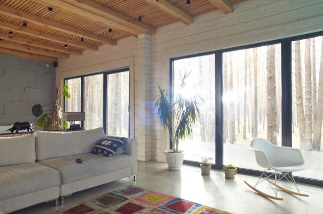 窓面積を広くとった住宅